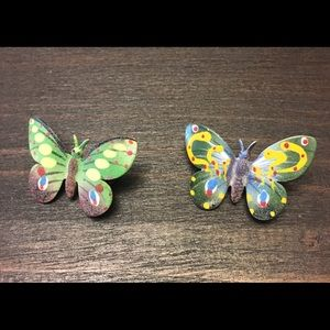 Jewelry - ❤️Vintage hand painted butterflies